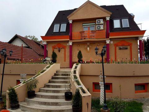 szallodank-budapest-3-kerulteben-attilahotel-pension-restaurant.jpg