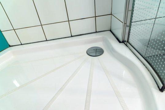 zuhanytalcak-szaniteresklimacenter.jpg