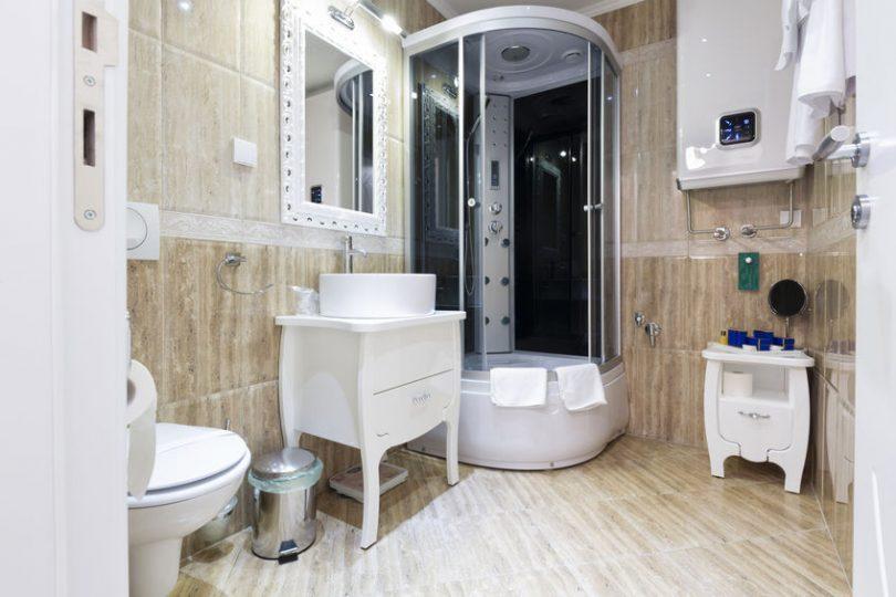 toloajtos-zuhanykabin.jpg
